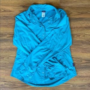 Patagonia Lightweight Teal Button Down Top